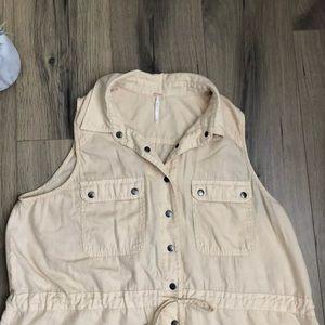 6c050c6b7add5 Free People Jackets   Coats - Free People Too Far Sleeveless Cargo Vest  Medium